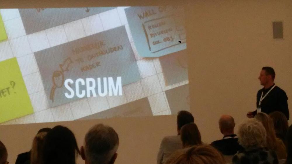 Uitleg over scrum tijdens de presentatie
