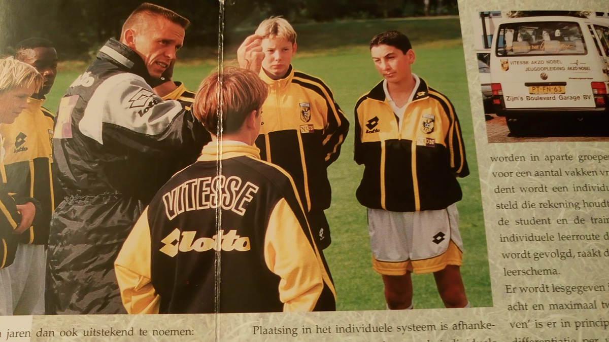 In de folder over de jeugdopleiding van Vitesse