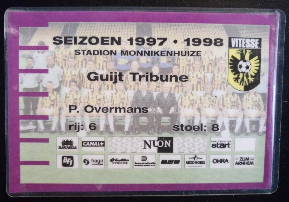 Seizoenkaart van Vitesse in het oude stadion Monnikenhuize