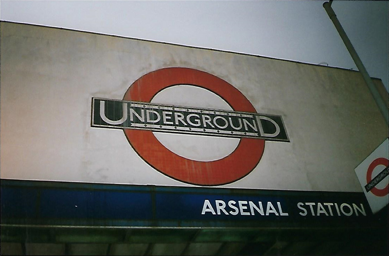 Arsenal station, dichtbij het stadion Highbury